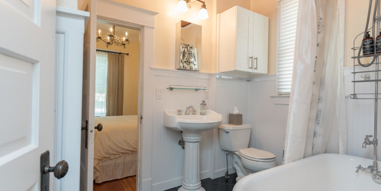 Sample Tour-MLS_Size-093-137--1800x1200-72dpi